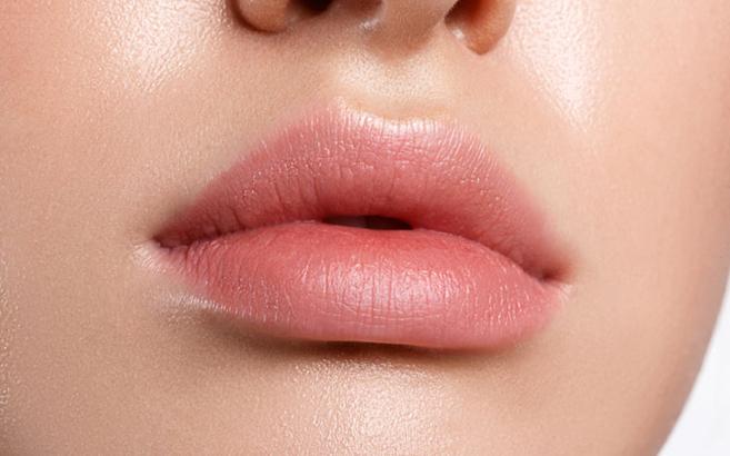 Cara Memerahkan Bibir Dengan Vaseline