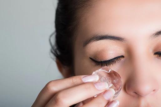 cara hilangkan eyebag dengan ais