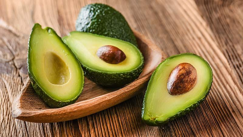 vitamin di avokado hilangkan eyebag